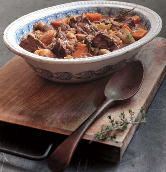 Aromatic Beef with Orange and Apricots
