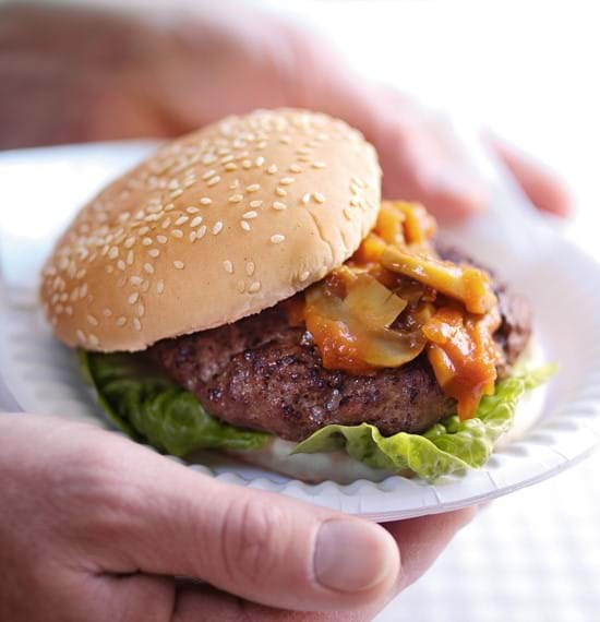 Beefburgers with Chunky Barbecue Relish