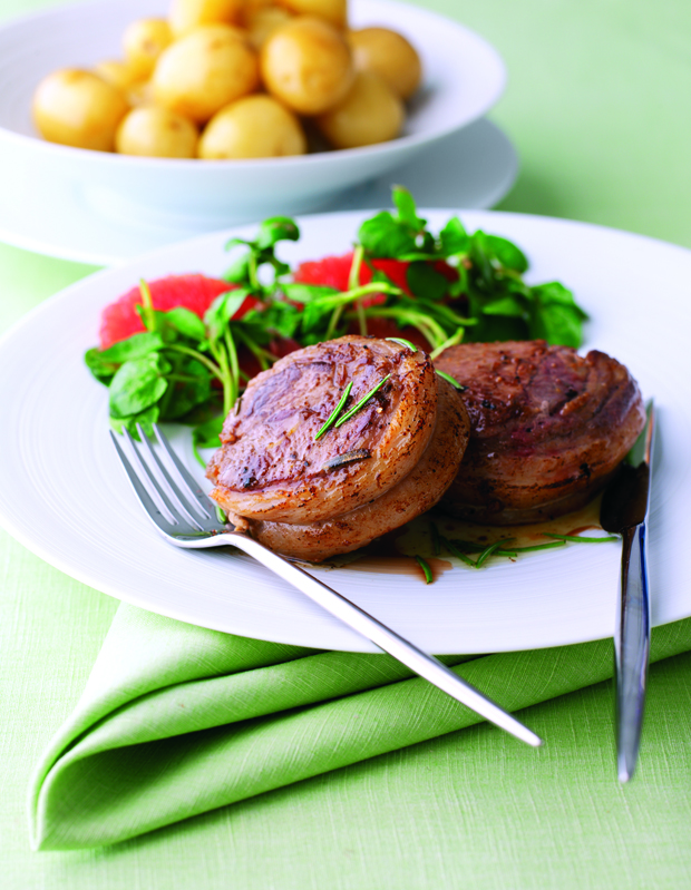 How to cook mini noisette of lamb for Lamb jus